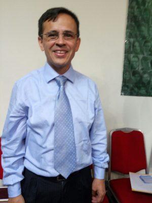 Past. Julio Caceres -Vescovo Tesoriere del Concilio Nazionale- Servo in Monza