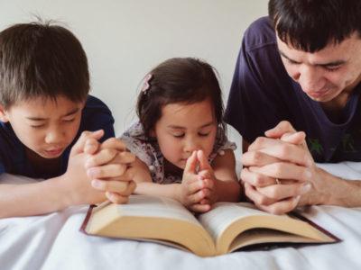 """""""Ammaestra il fanciullo""""-Breve Meditazione sulla Bibbia della Chiesa Evangelica Apostolica nel Nome di Gesù tratta da proverbi 22:6"""