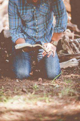 """""""Il mio sacrificio, è vivente? """"-Breve Meditazione Sulla Bibbia della Chiesa Evangelica Apostolica nel Nome di Gesù tratta da Genesi 22:9"""
